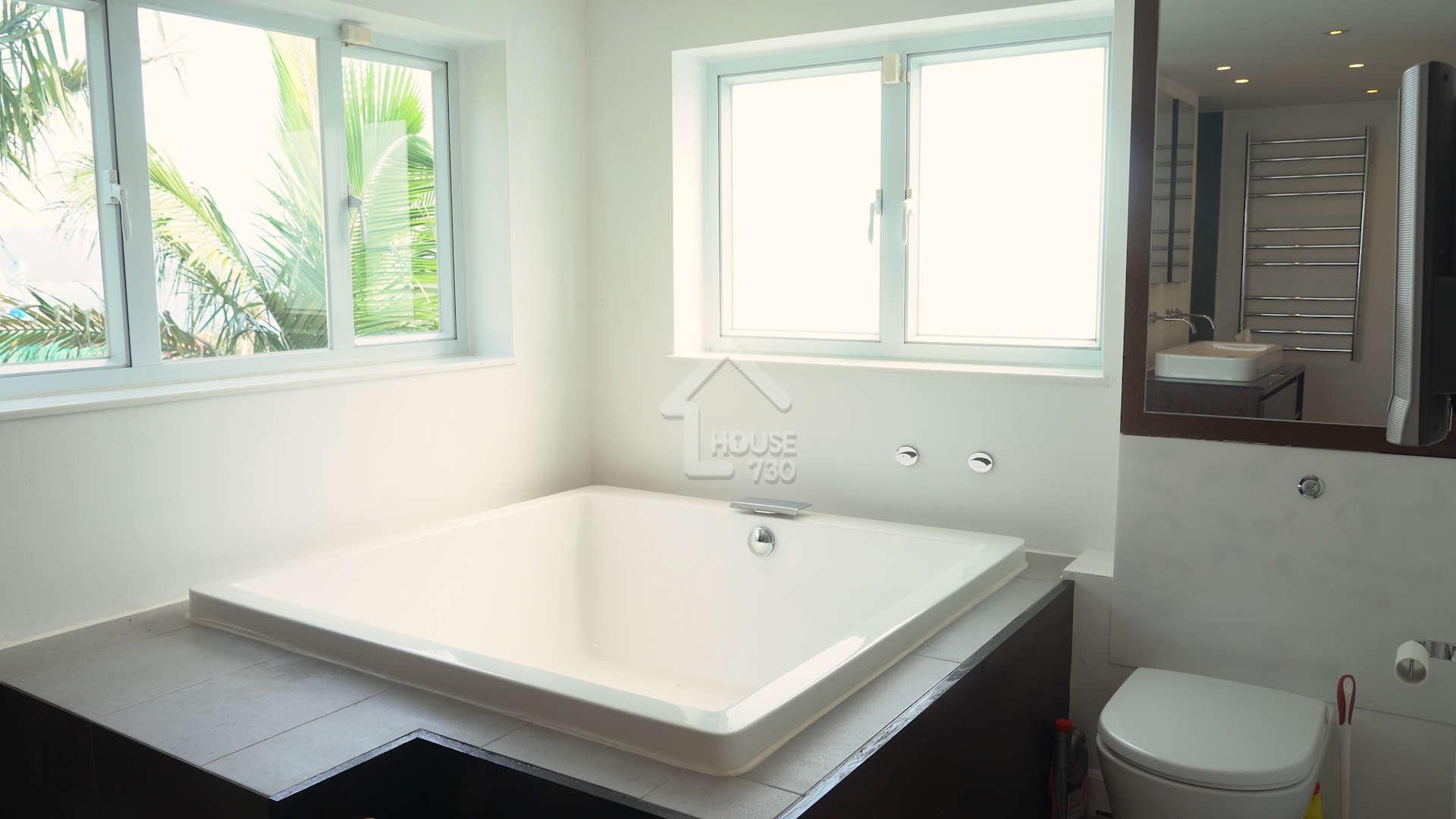 主人套房可享受水療浴缸 另設淋浴間
